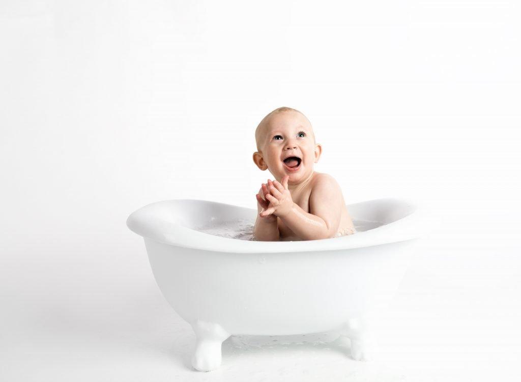 baby-bathtub-child-914253